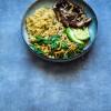Portobello bowl met verrukkelijke tahin-misodressing